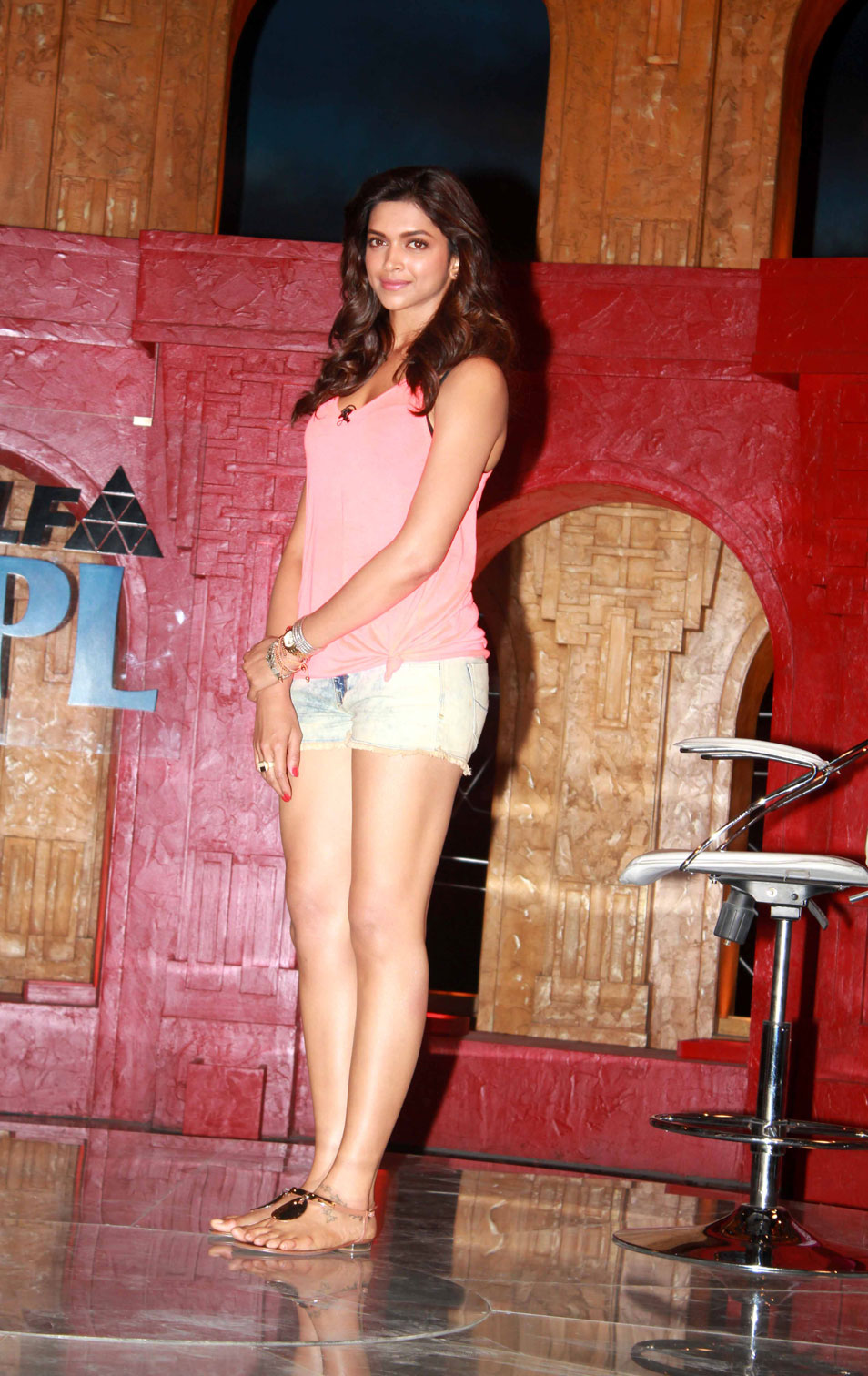 Deepika Padukone In Pink Top Suit Photo