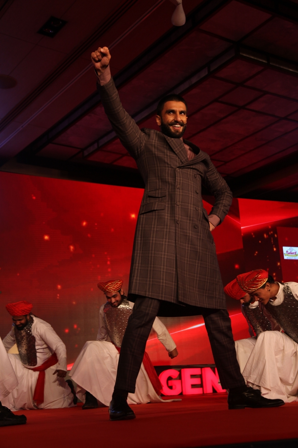 Deepika & Ranveer Promote Bajirao Mastani Movie in New Delhi