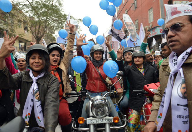 Delhi Elections : Gul Panag Riding A Bullet In Delhi For Aam Aadmi Party