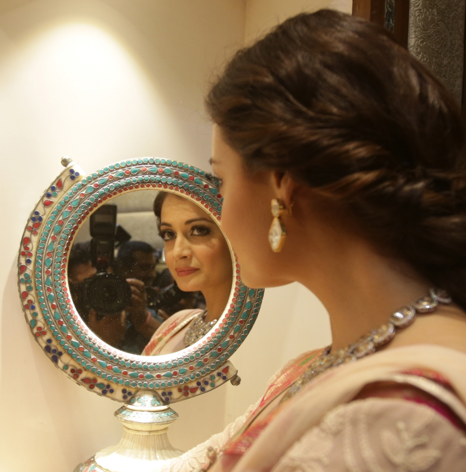 Dia Mirza Inaugurated New Jewellery Showroom in Kolkata