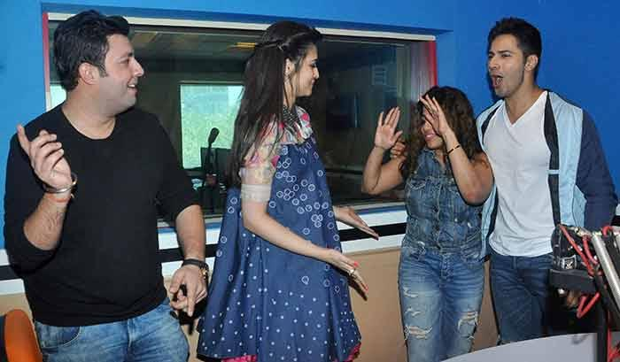 Dilwale : Kriti Sanon & Varun Dhawan at RED FM Studio