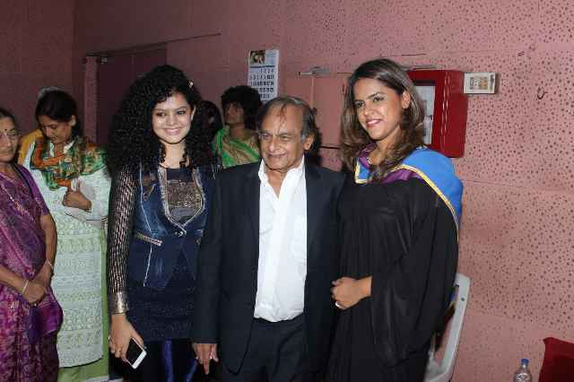 Esha Deol & Zeenat Aman at Whistling Woods Convocation in Mumbai