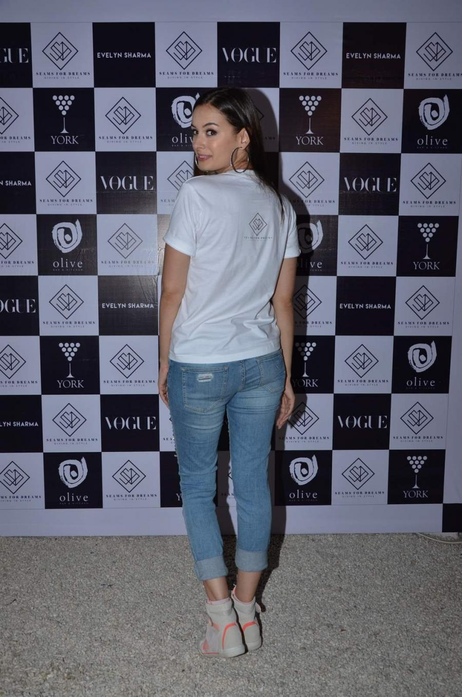 Evelyn Sharma at NGO Event in Mumbai