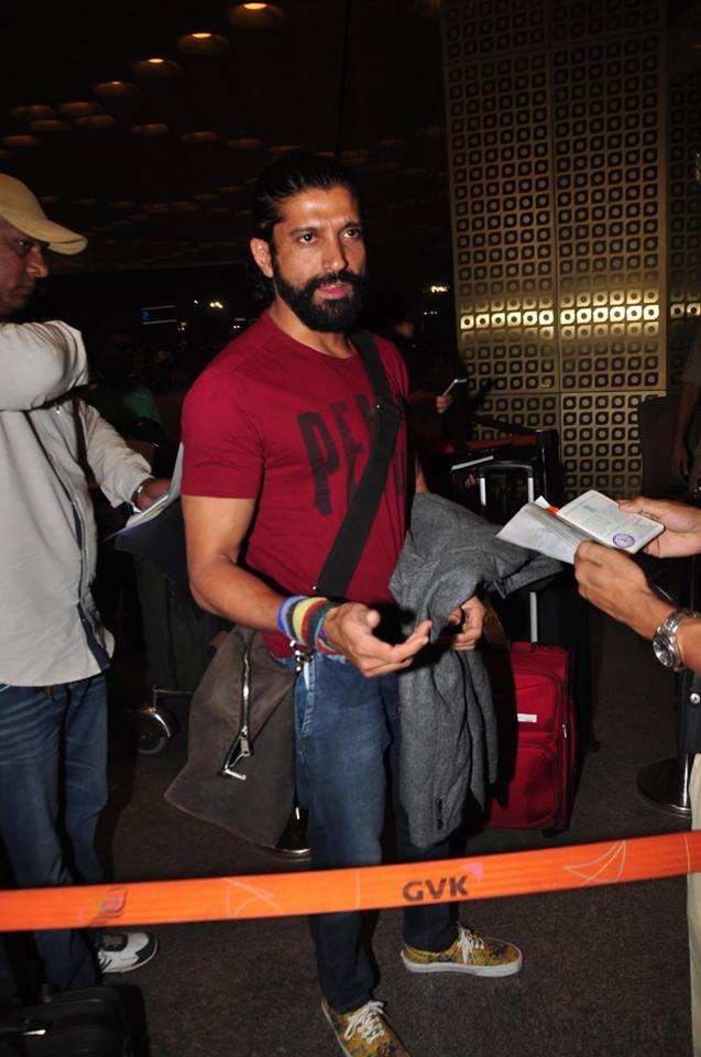 Farhan Akhtar & Arjun Kapoor at The Mumbai Airport