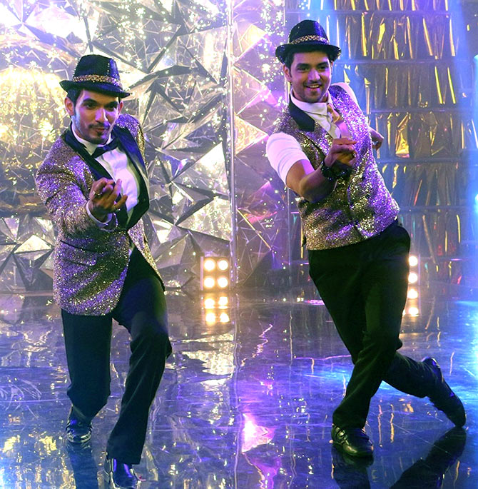 Television heartthrob Arjun Bijlani from the hit television series Naagin and Shakti Arora of Meri Aashiqui Tumse Hi fameget set to dance