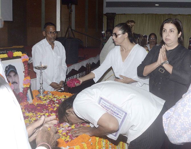 Gauri Khan & Farah Khan Attended The Prayer Meet of Subhash Jain