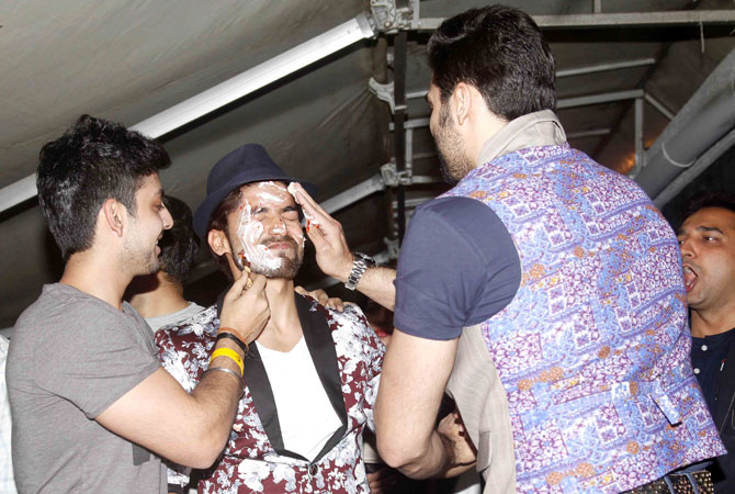 Gurmeet Choudharys Birthday Bash Photos