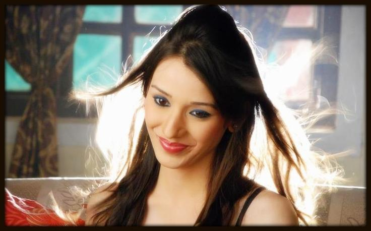 Heli Daruwala In Smile photo