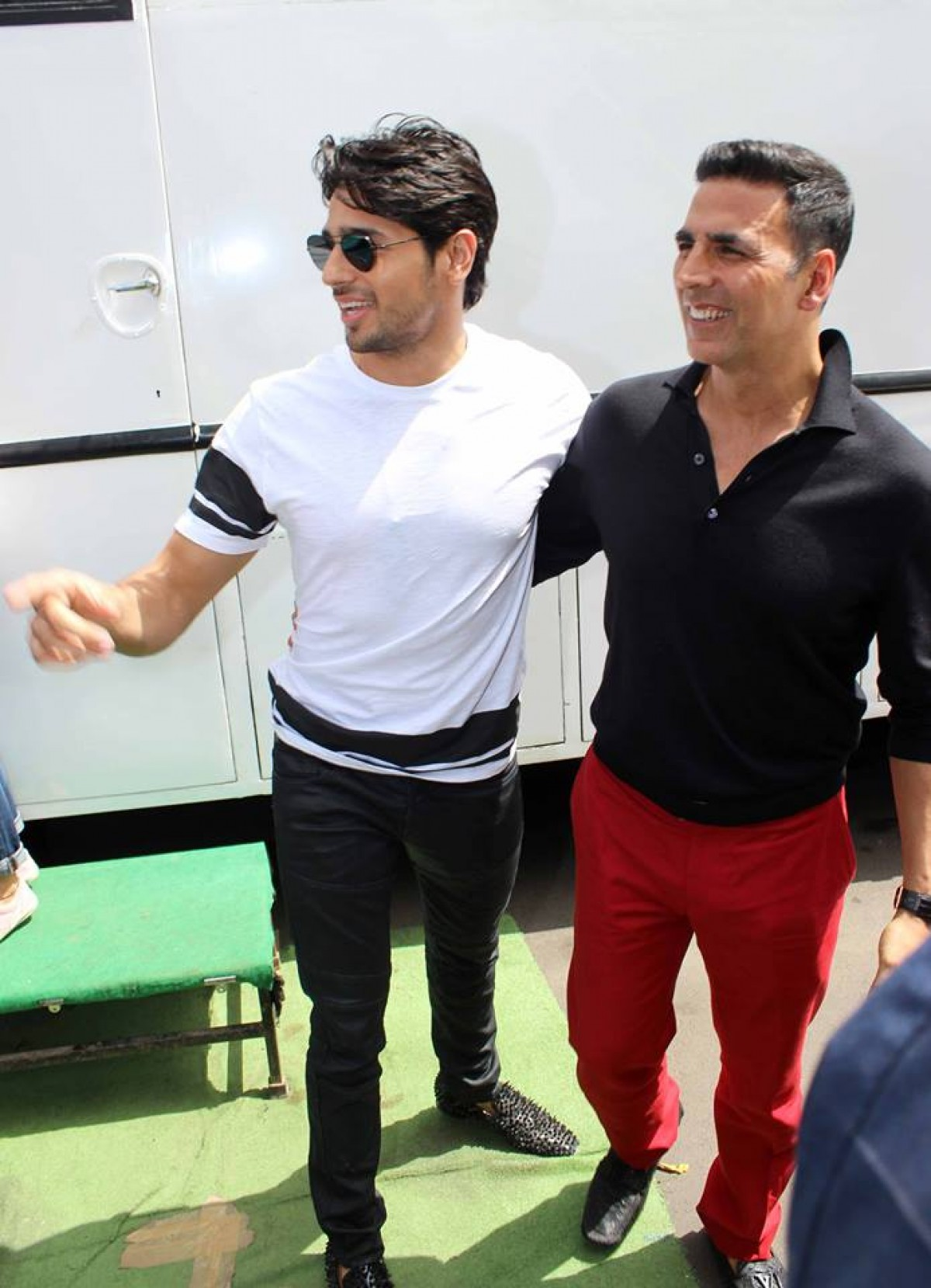 Housefull 3: Akshay, Abhishek, Ritesh and Jacqueline on the sets of Indias Got Talent