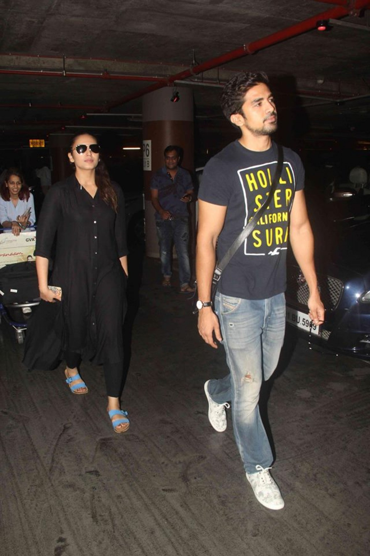 Huma, Athiya, Chitrangada, Taapsee, Dia and Other Celebs Spotted at Mumbai Airport