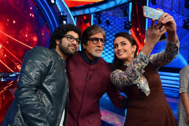 Huma Qureshi & Kapil Dev On The Sets of Aaj Ki Raat Hai Zindagi with Amitabh Bachchan
