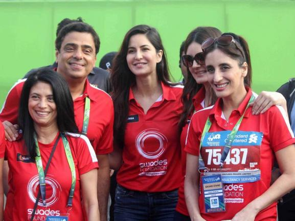 John Abraham & Katrina Kaif Up Glam Quotient of Mumbai Marathon