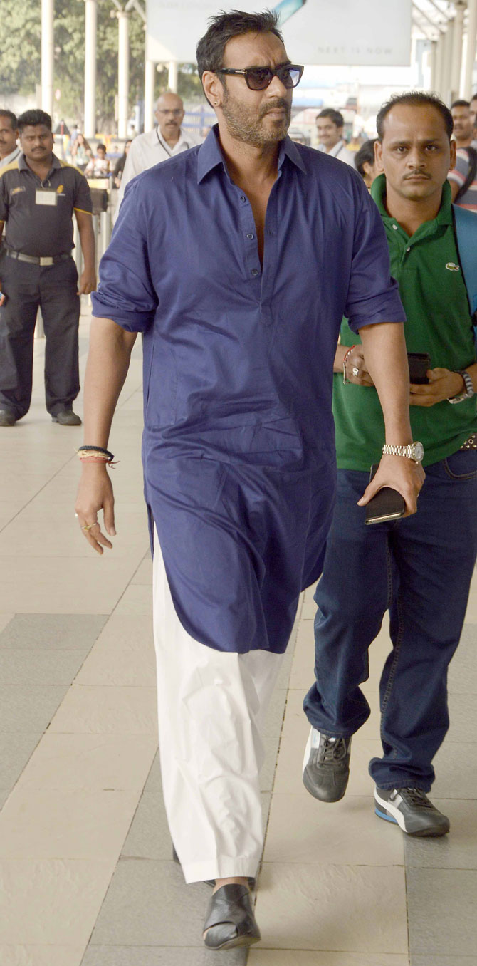 Kajol, Ajay Devgan & Other Bollywood Celebs Spotted At Mumbai Airport