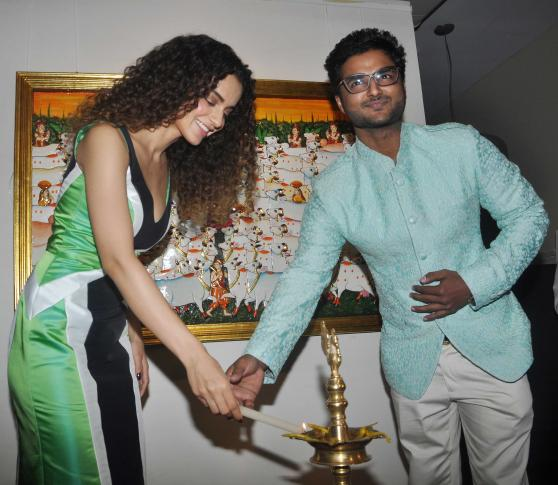 Kangana Ranaut Inaugurates Suvigya Sharmas Art Exhibition