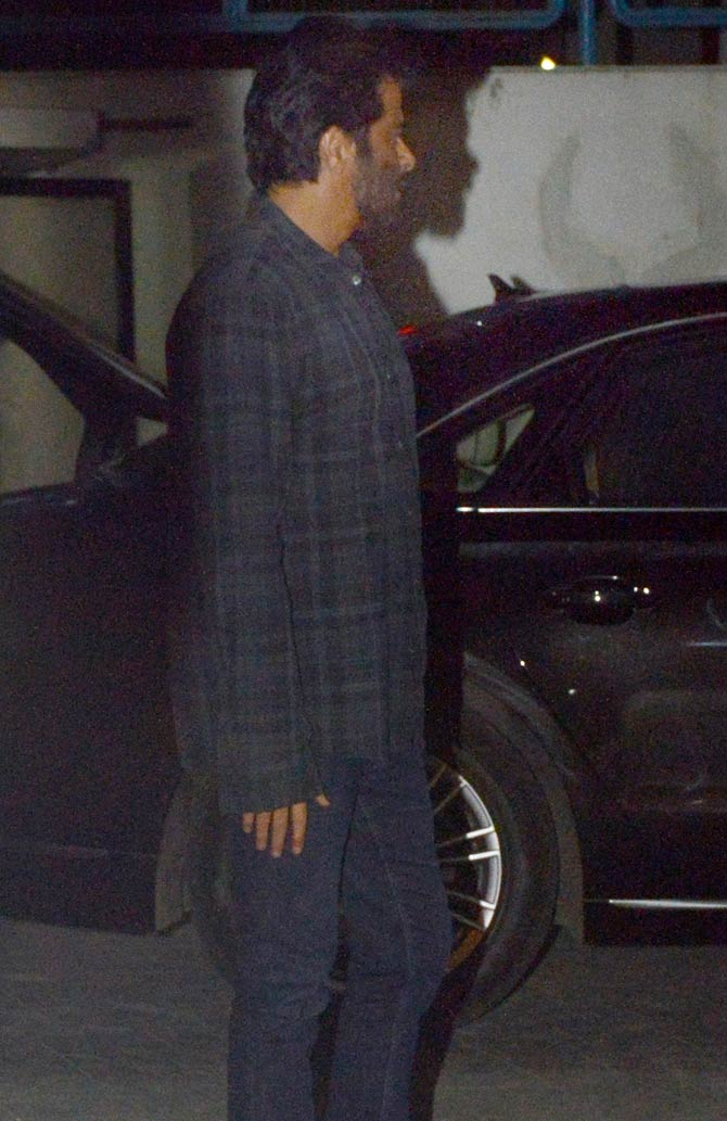Kapoor Family Members and Other Bollywood Celebes Spotted at Sanjay Kapoors Residence