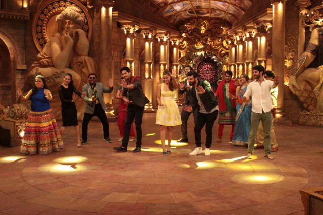 Kapoor & Sons : Alia Bhatt, Siddharth Malhotra & Fawad Khan On The Sets of Comedy Nights Bachao