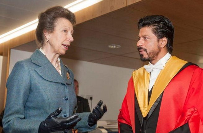 King Khan Receives Honorary Doctorate from Edinburgh University-01