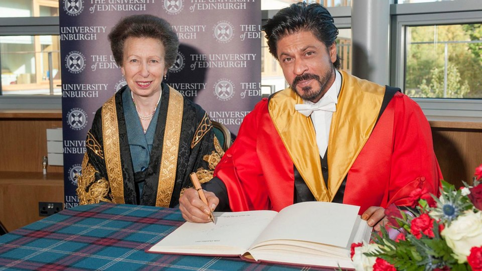 King Khan Receives Honorary Doctorate from Edinburgh University-13