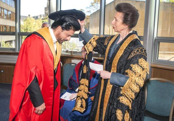 King Khan Receives Honorary Doctorate from Edinburgh University-14