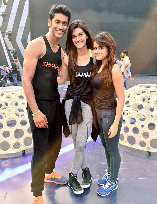 Kriti Sanon and Sushant Singh Rajput sweat out with Shiamak Davar for Zee Cine Awards 2016