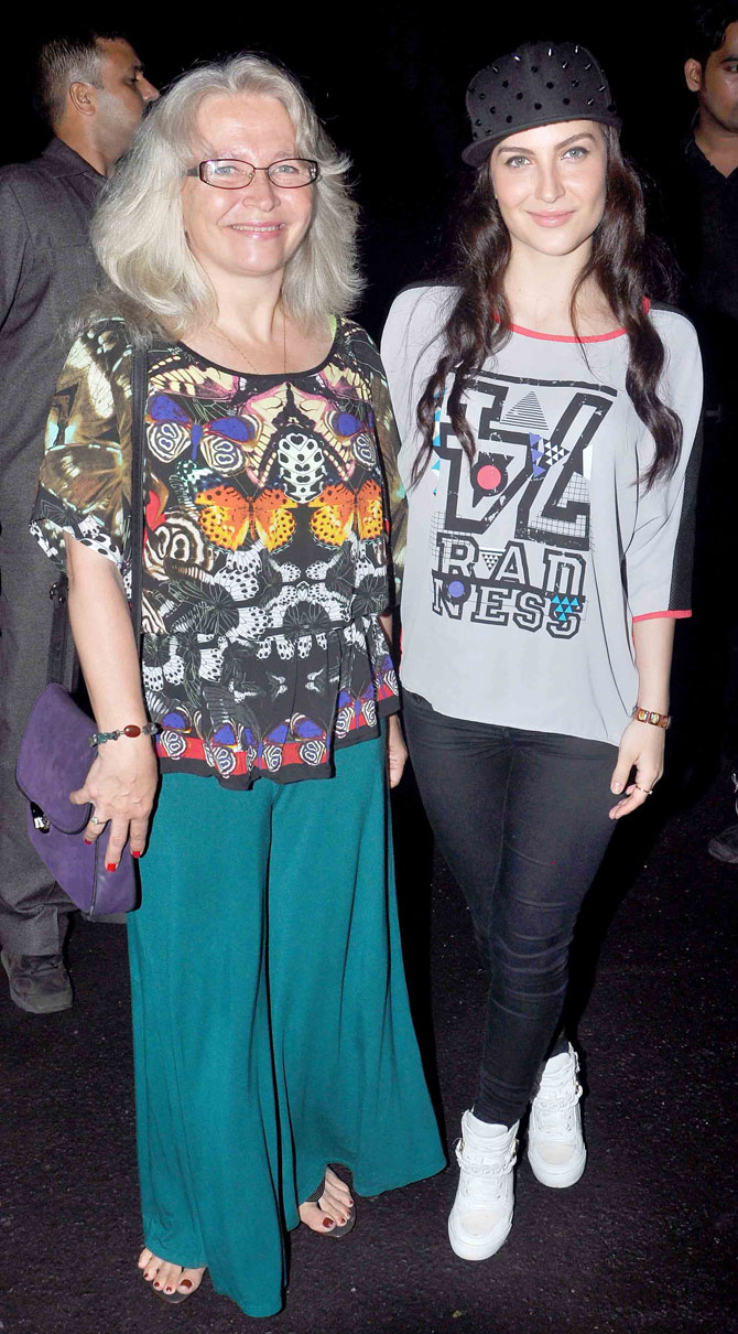 The Lazy Girls Guide To Being Fit Book Launch-03