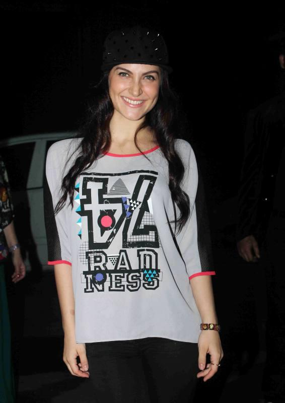 The Lazy Girls Guide To Being Fit Book Launch-17