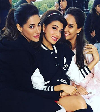 Lisa Haydon, Jaqueline Fernandez & Nargis Fakhri on the sets of Housefull 3
