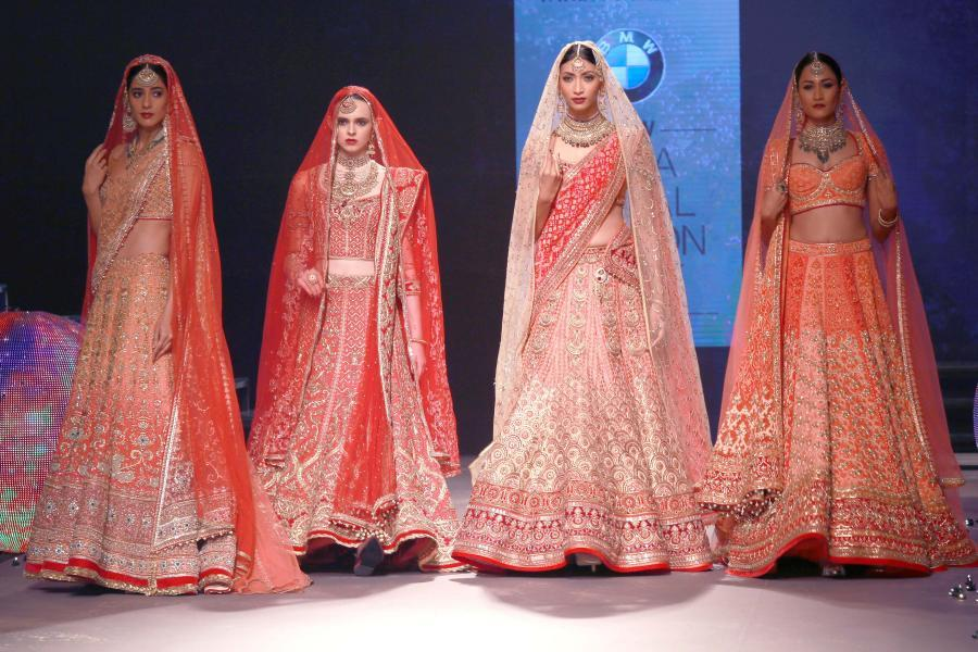 Lisa Haydon Walk at BMW India Bridal Fashion Week 2015-02