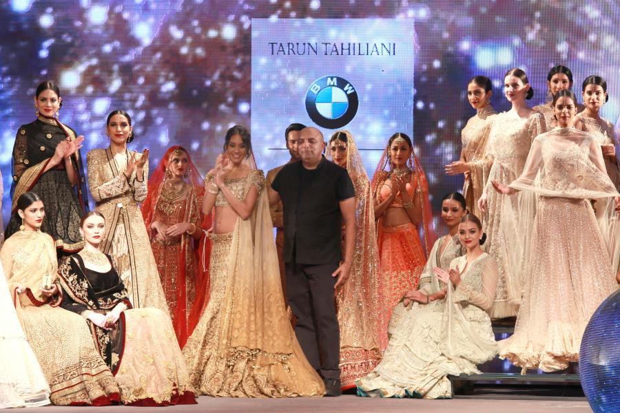 Lisa Haydon Walk at BMW India Bridal Fashion Week 2015-17