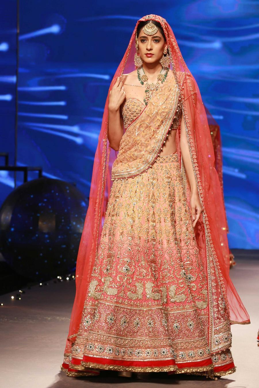 Lisa Haydon Walk at BMW India Bridal Fashion Week 2015-21