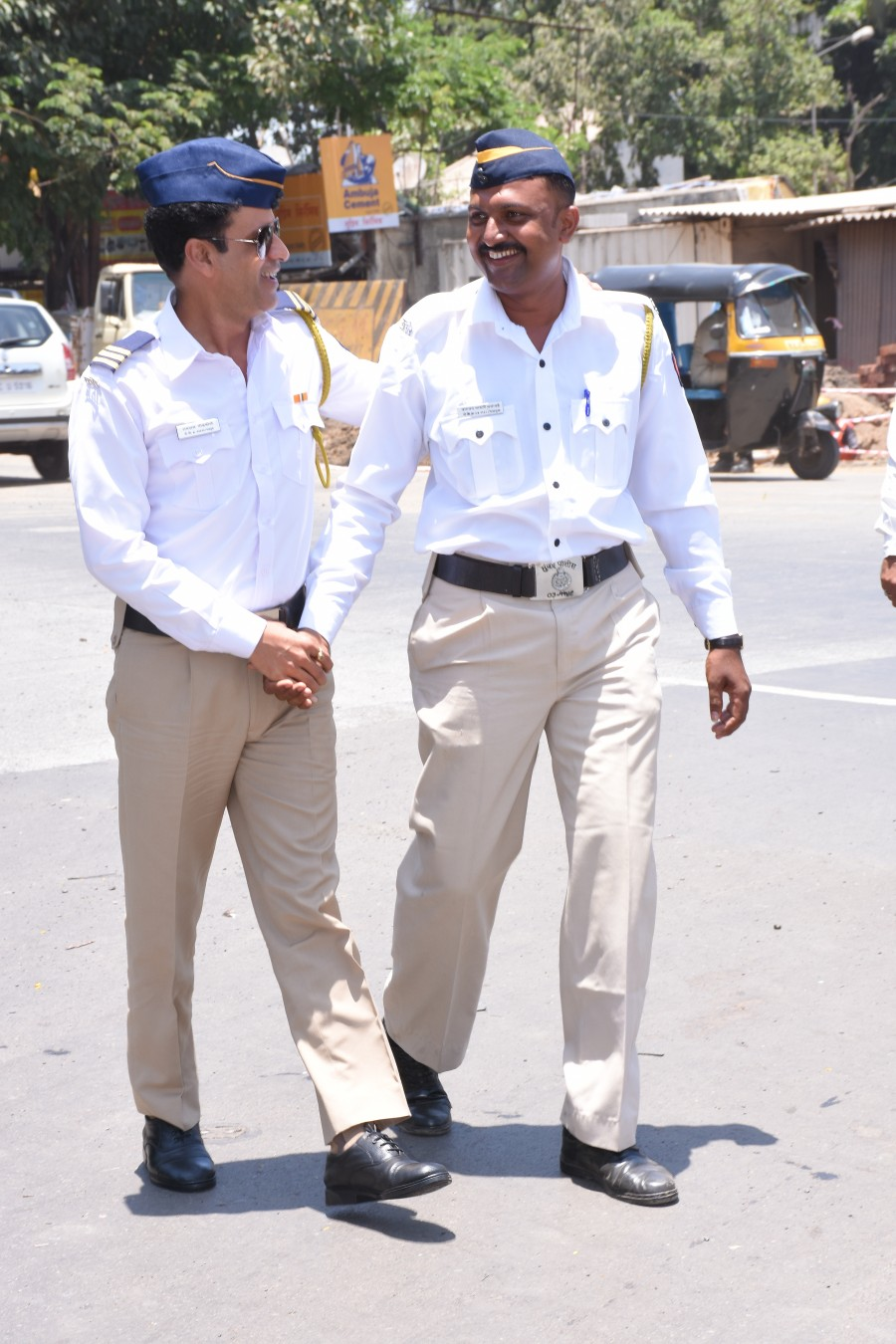 Manoj Bajpayee turns Traffic cop for a day
