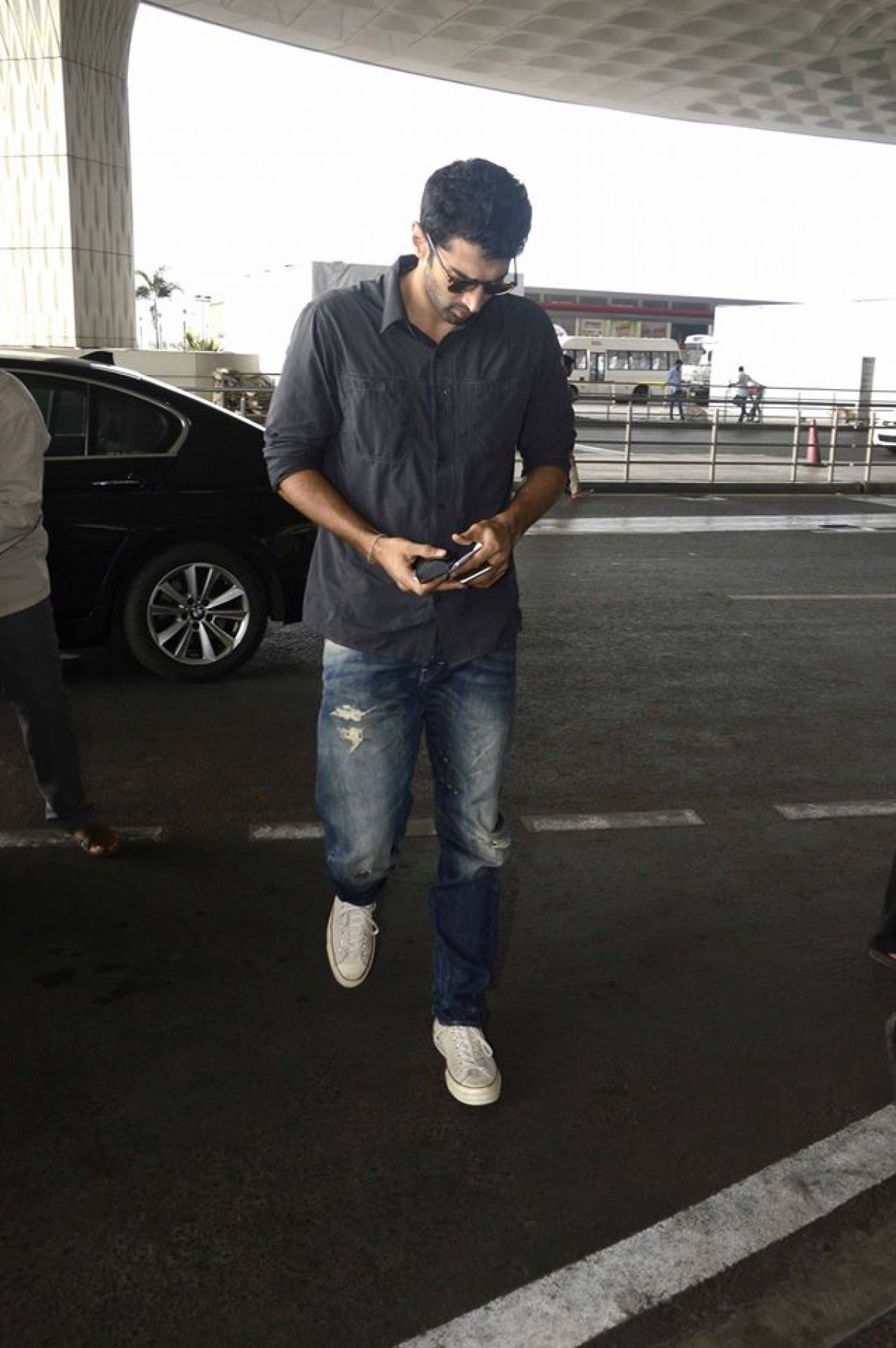 OK Janu: Aditya Roy Kapur and Shraddha Kapoor Spotted at Mumbai Airport