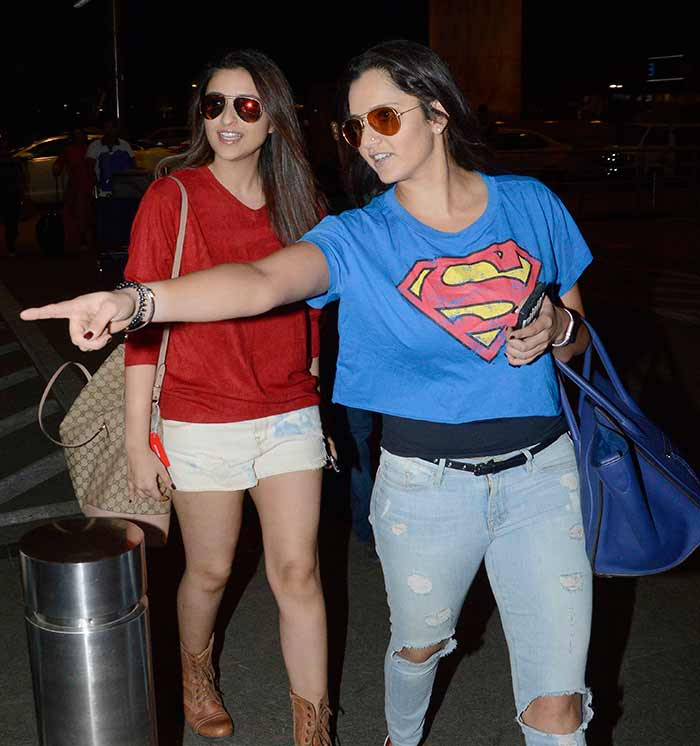 Parineeti Chopra, Priyanka Chopra & Sania Mirza Spotted at Mumbai Airport