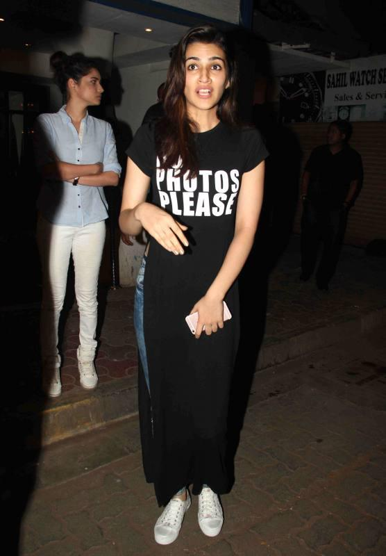 Raabta : Sushant, Ankita & Kriti snapped outside a Popular Mumbai Restaurant