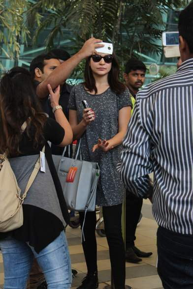 Ranbir, Anushka & Karan Spotted at The Mumbai Airport