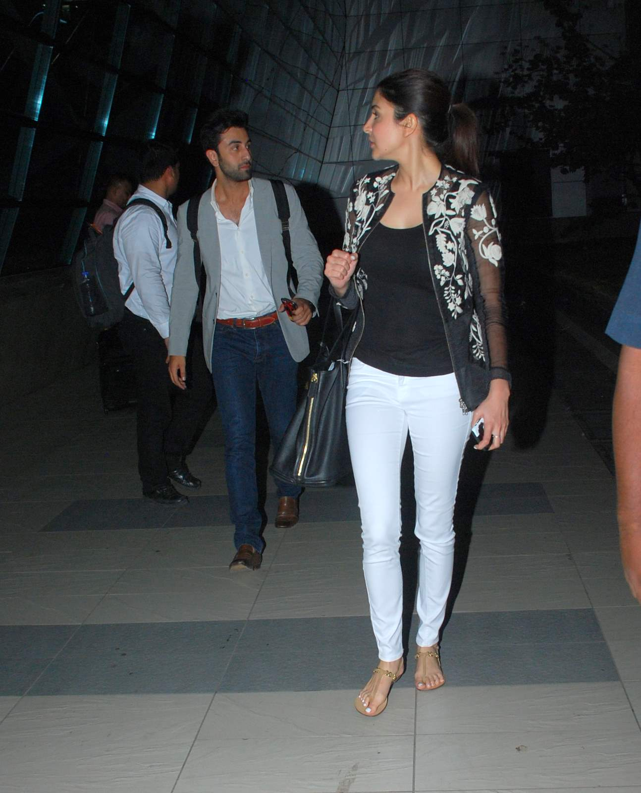 Ranbir & Anushka Spotted at Airport