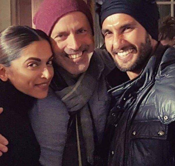 Ranveer Celebrate Valentines Day with Deepika On The Sets Of xXx 3