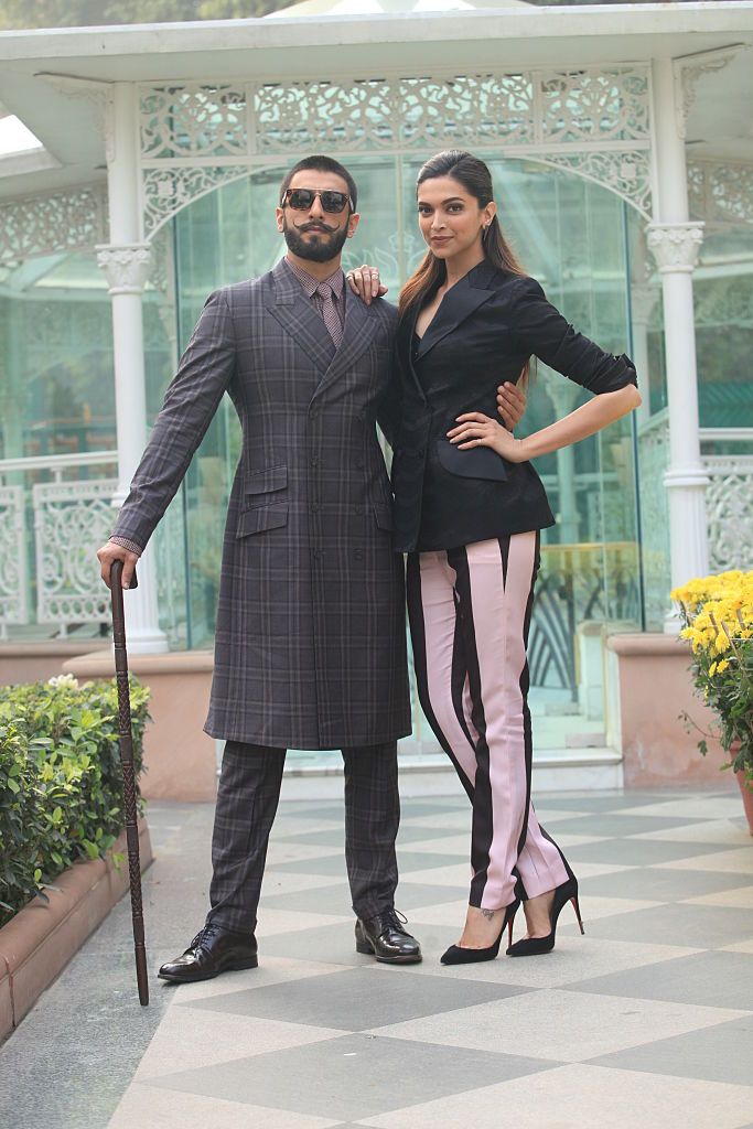 Ranveer & Deepika Promote Bajirao Mastani Movie in New Delhi