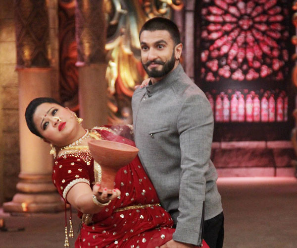Ranveer & Deepika Promote Bajirao Mastani On The Sets Of Comedy Nights Bachao
