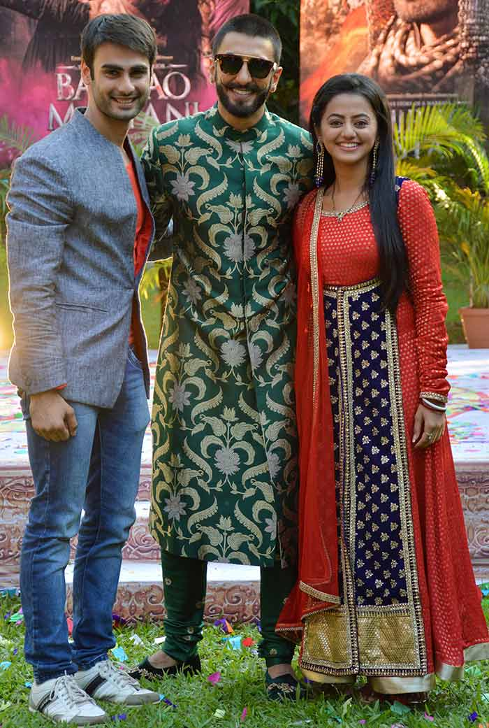 Ranveer & Deepika Promoted Film Bajirao Mastani on The Sets of Swaragini