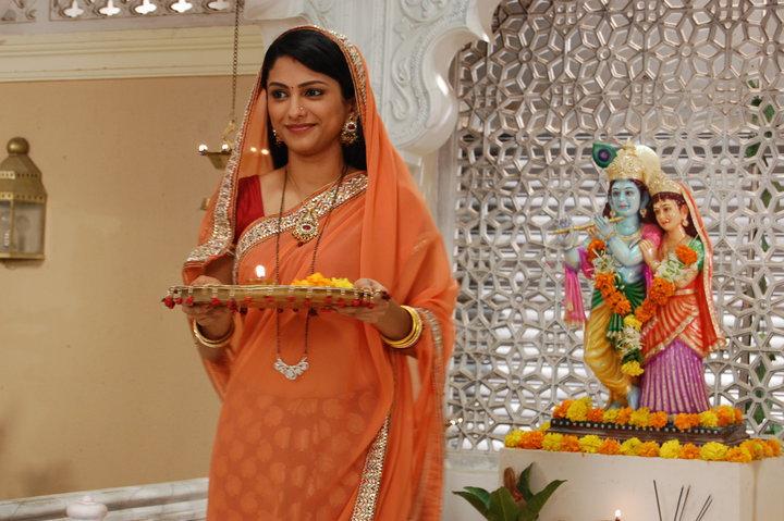 Rucha Hasabnis In Pooja Ghar photo