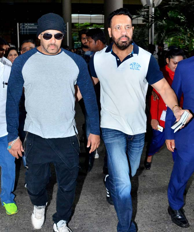 Salman Khan and Sohail Khan Spotted in Mumbai Airport