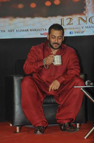 Salman Khan and Sooraj Barjatya Promoted Prem Ratan Dhan Payo Movie in Mumbai