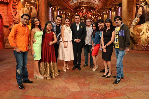 Santa Banta Movie Team on the sets of Comedy Nights Bachao