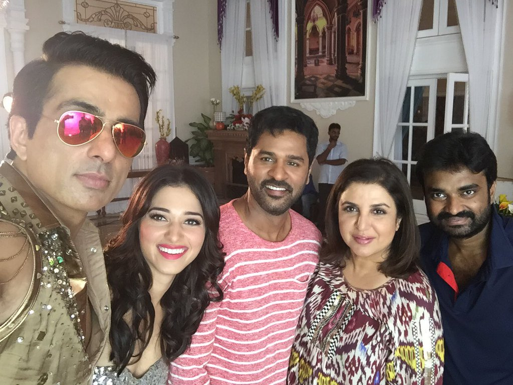On The Sets! Prabhu, Sonu, Farah and Tamannaah Selfie
