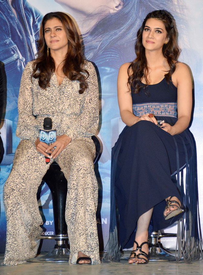 Shah Rukh Khan and Kajol at Song Launch of Film Dilwale in Mumbai-07
