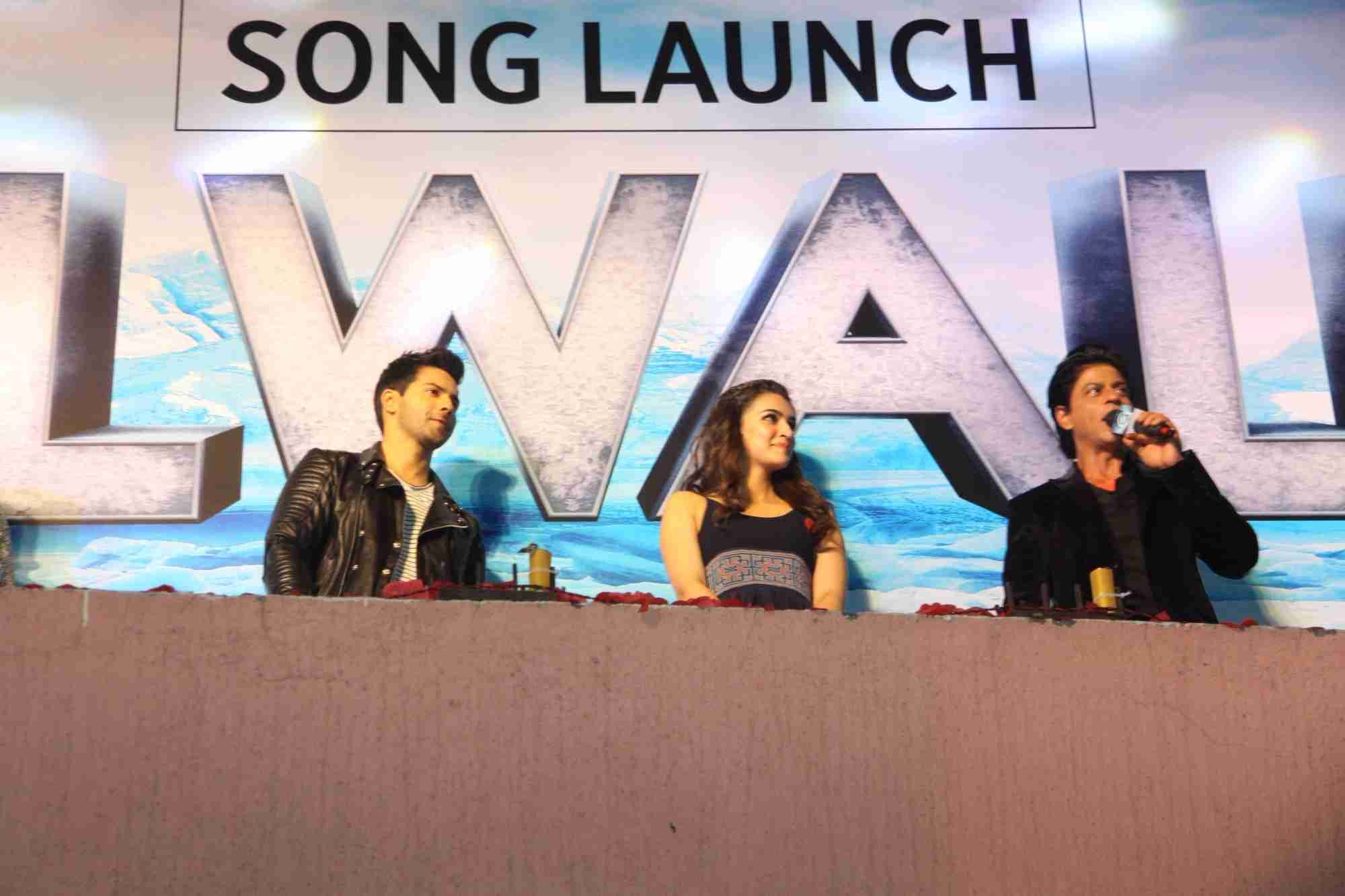 Shah Rukh Khan and Kajol at Song Launch of Film Dilwale in Mumbai-105