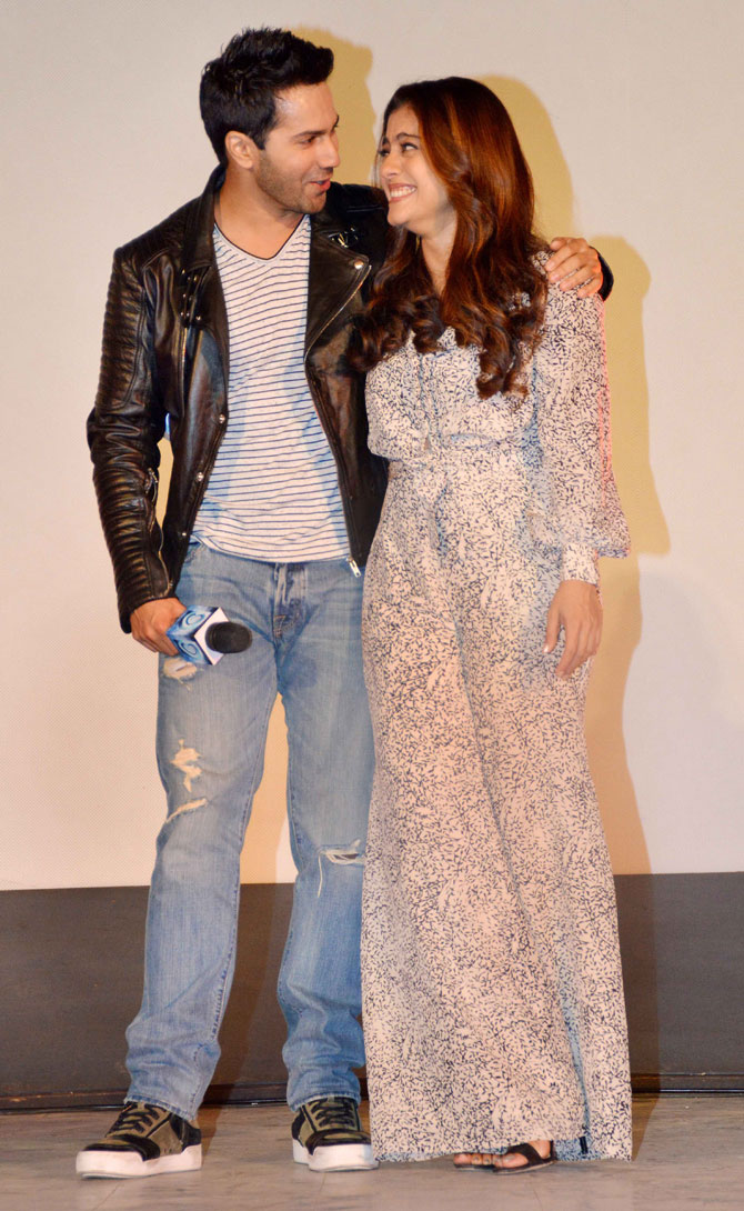 Shah Rukh Khan and Kajol at Song Launch of Film Dilwale in Mumbai-15
