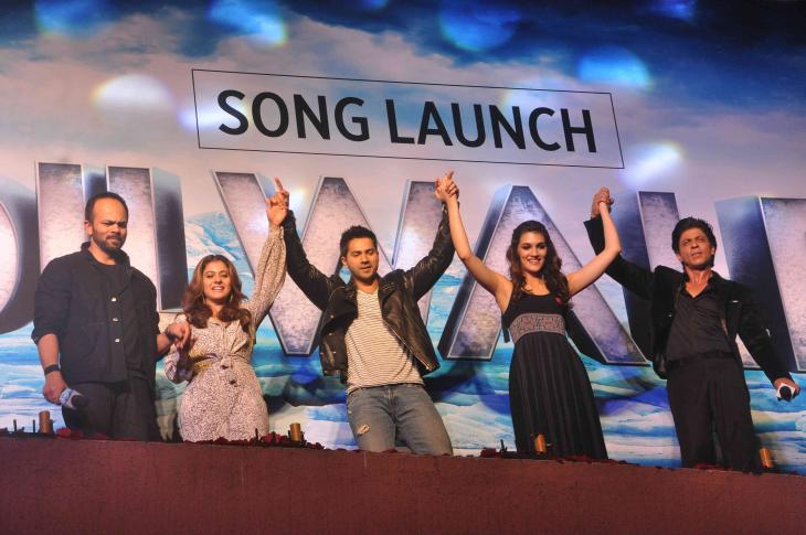 Shah Rukh Khan and Kajol at Song Launch of Film Dilwale in Mumbai-22