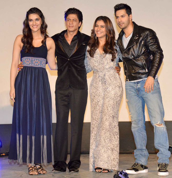 Shah Rukh Khan and Kajol at Song Launch of Film Dilwale in Mumbai-26